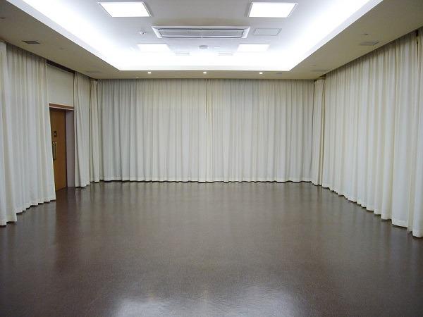 平和の森会館 1階 式場内風景①