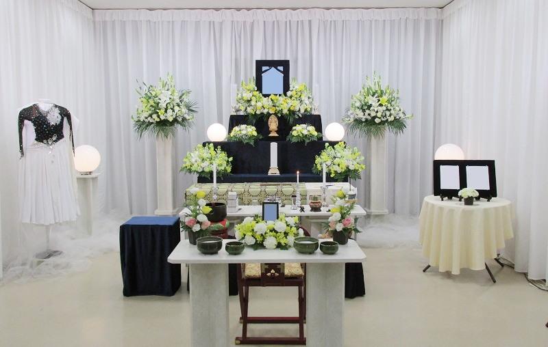 代々幡斎場 祭壇画像①
