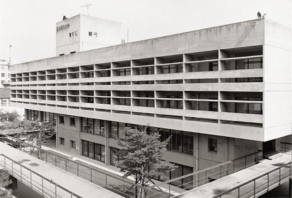 杁中キャンパス研究本館