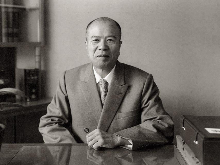 学園創立者鈴木修学先生