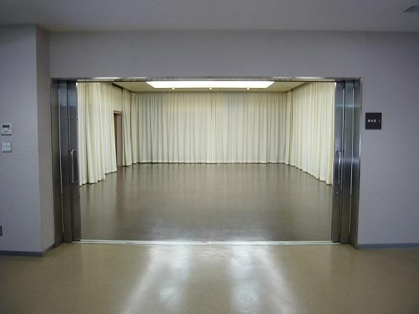 平和の森会館 1階 式場内風景②
