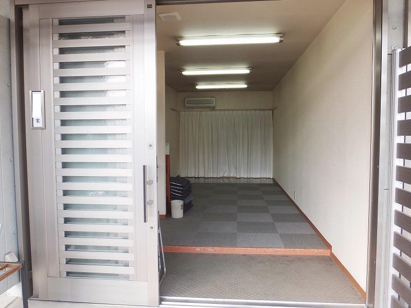 戸田サービス館 式場入口