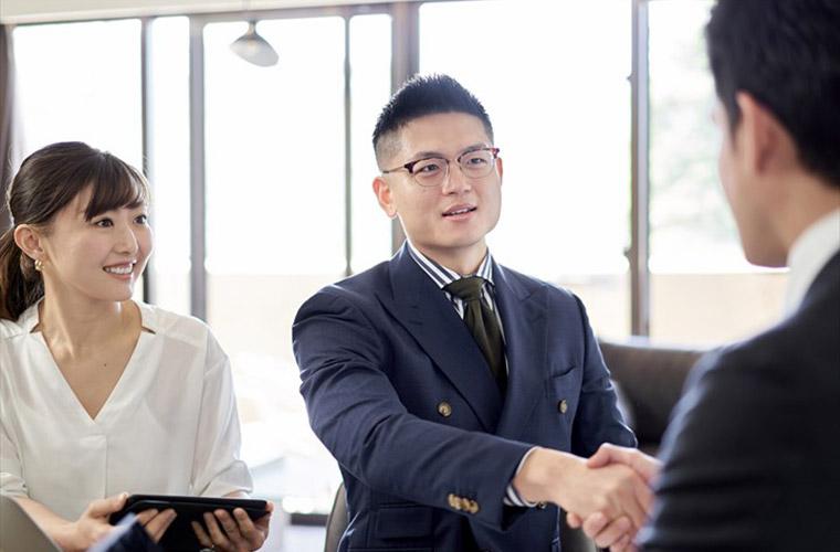 リード獲得とは?見込み顧客を集める方法をオンライン・オフライン別に解説